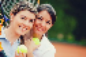 photodune-1768971-women-playing-tennis-s